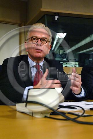 Belgium---Brussels---European Parliament    07.01.2004.Hans-Gert P?TTERING (Poettering, Pottering), Chairman of the EPP-ED Group, in the European Parliament..PHOTO: EUP-IMAGES / ANNA-MARIA ROMANELLI