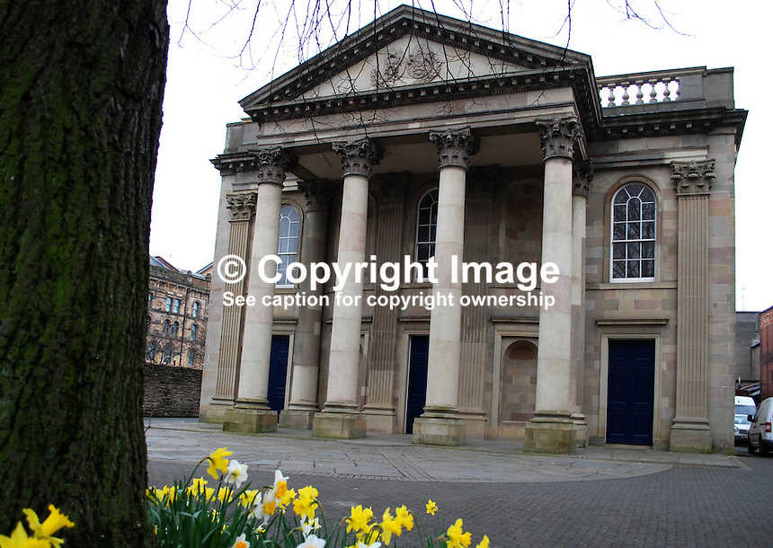 St George's Church of Ireland, High Street, Belfast, N Ireland, UK. 200903172024..Copyright Image from Victor Patterson, 54 Dorchester Park, Belfast, UK, BT9 6RJ..Tel: +44 28 9066 1296.Mob: +44 7802 353836.Voicemail +44 20 8816 7153.Skype: victorpattersonbelfast.Email: victorpatterson@mac.com.Email: victorpatterson@ireland.com (back-up)..IMPORTANT: If you wish to use this image or any other of my images please go to www.victorpatterson.com and click on the Terms & Conditions. Then contact me by email or phone with the reference number(s) of the image(s) concerned.