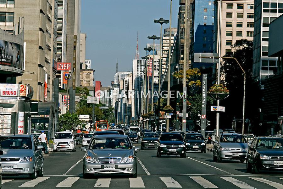 Avenida Paulista. São Paulo. 2006. Foto de Juca Martins.