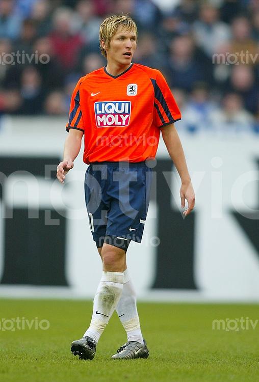 Fussball / 1. Bundesliga Saison 2002/2003 Benjamin LAUTH, gehend 1860 Muenchen