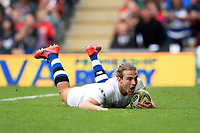 Max Clark of Bath Rugby scores a try in the first half. Aviva Premiership match, between Leicester Tigers and Bath Rugby on September 3, 2017 at Welford Road in Leicester, England. Photo by: Patrick Khachfe / Onside Images