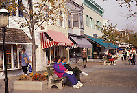 AJ3289, Cape May, New Jersey, People relax on a pedestrian street in Cape May in the state of New Jersey.