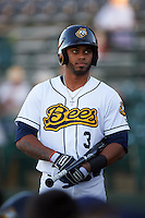Burlington Bees outfielder Natanael Delgado (3) on deck during a game against the Clinton LumberKings on August 20, 2015 at Community Field in Burlington, Iowa.  Burlington defeated Clinton 3-2.  (Mike Janes/Four Seam Images)
