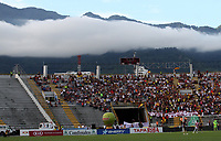 IBAGUÉ- COLOMBIA,26-05-2019:Acción de juego entre los equipos Deportes Tolima y el Atlético Junior  durante el cuarto partido de los cuadrangulares finales de la Liga Águila I 2019 jugado en el estadio Manuel Murillo Toro de la ciudad de Ibagué. /Action game between teams Deportes Tolima and Atletico Junior  during the fourth match for the quarter finals B of the Liga Aguila I 2019 played at the Manuel Murillo Toro stadium in Ibague city. Photo: VizzorImage / Felipe Caicedo / Staff