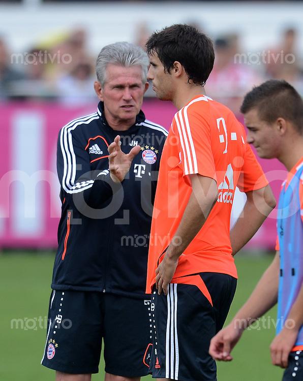 Fussball 1. Bundesliga:  Saison  2012/2013     Training beim FC Bayern Muenchen 05.09.2012 Javier, Javi Martinez und  Trainer Jupp Heynckes (v. re. )