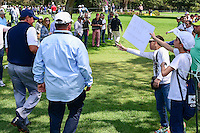 Phil Mickelson (USA) has many fans in Mexico including these kids with signs showing their support during round 4 of the World Golf Championships, Mexico, Club De Golf Chapultepec, Mexico City, Mexico. 3/5/2017.<br /> Picture: Golffile | Ken Murray<br /> <br /> <br /> All photo usage must carry mandatory copyright credit (&copy; Golffile | Ken Murray)