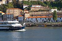 passenger ferry boat calem port lodge av. diogo leite vila nova de gaia porto portugal