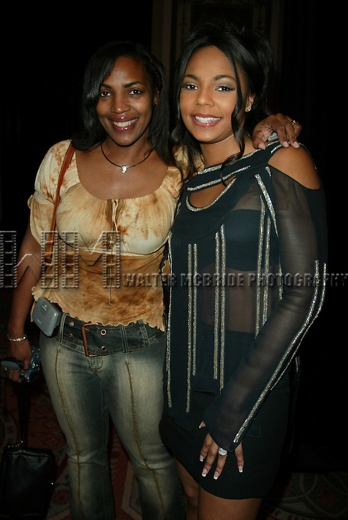 ASHANTI with her mom Tina.The American Cancer Society's 18th Annual.DreamBall to Benefit their program,.Look Good...Feel Better..Waldorf  Astoria Hotel, New York City..September 17, 2002.Credit all Uses.© Walter McBride / , USA