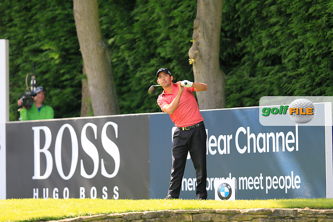 Pablo LARRAZABAL (ESP) on the 18th during the final round of the BMW PGA championship, Wentworth Golf Club, Virginia Water, London.<br /> Picture: Fran Caffrey www.golffile.ie