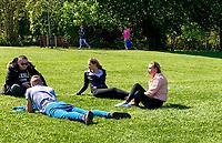 Public Enjoy the Sun (COVID-19) - 20.04.2020