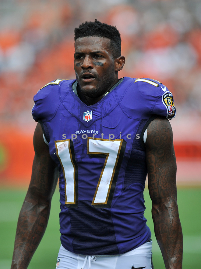 CLEVELAND, OH - JULY 18, 2016: Wide receiver Mike Wallace #17 of the Baltimore Ravens walks off the field for halftime of a game against the Cleveland Browns on July 18, 2016 at FirstEnergy Stadium in Cleveland, Ohio. Baltimore won 25-20. (Photo by: 2017 Nick Cammett/Diamond Images)  *** Local Caption *** Mike Wallace(SPORTPICS)