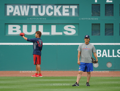 Daisuke Matsuzaka (Red Sox), Hideki Matsui (Bulls),.MAY 17, 2012 - MLB :.Daisuke Matsuzaka of the Pawtucket Red Sox and Hideki Matsui of the Durham Bull warm up before minor's International League (Triple-A) game at Durham Bulls Athletic Park in Durham, North Carolina, United States. (Photo by AFLO)