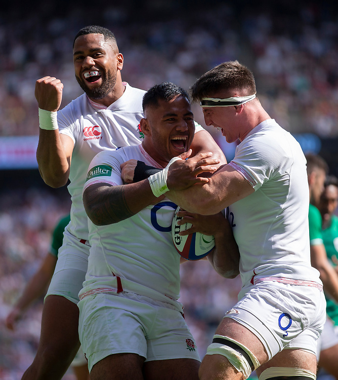 England's Manu Tuilagi scores his sides third try with Joe Cokanasiga and Tom Curry<br /> <br /> Photographer Bob Bradford/CameraSport<br /> <br /> Quilter Internationals - England v Ireland - Saturday August 24th 2019 - Twickenham Stadium - London<br /> <br /> World Copyright © 2019 CameraSport. All rights reserved. 43 Linden Ave. Countesthorpe. Leicester. England. LE8 5PG - Tel: +44 (0) 116 277 4147 - admin@camerasport.com - www.camerasport.com