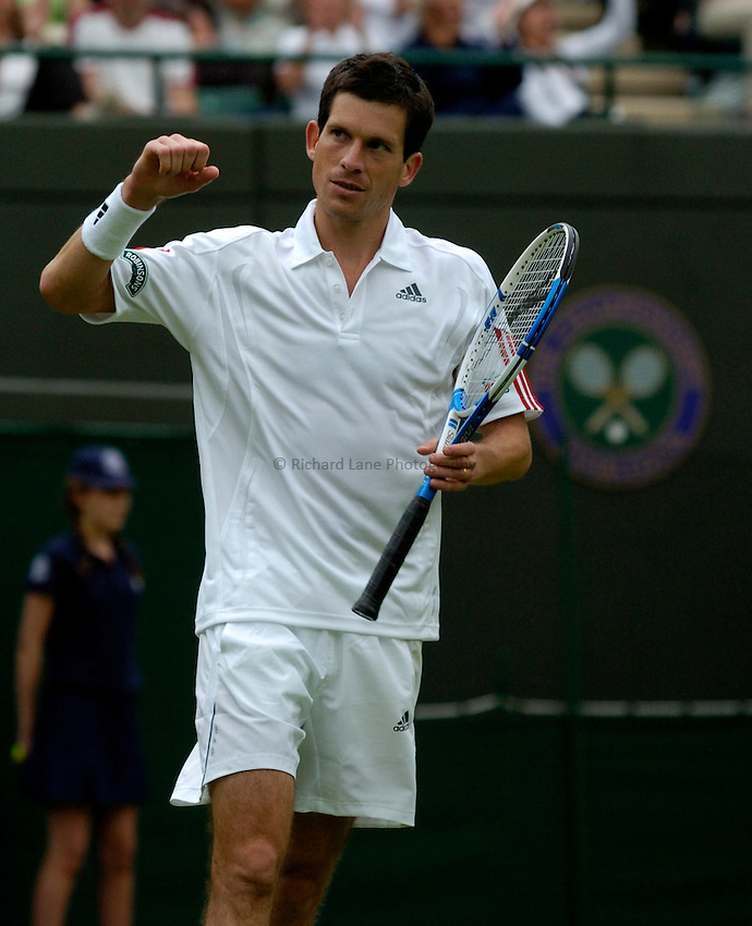 Photo: Richard Lane..Wimbledon Championships. 27/06/2006. .Great Britain's Tim Henman celebrates victory in the 1st round.