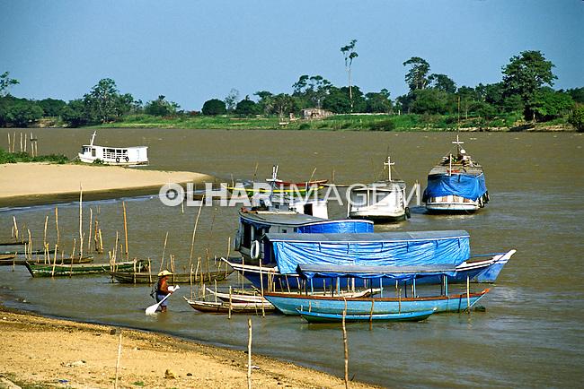 Praia fluvial Alter do Chão, Santarém. Pará. 2004. Foto de João Caldas