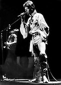 DAVID BOWIE (* Jan 1947 - 10 Jan 2016) - performing live as Ziggy Stardust on the Ziggy Stardust Tour - 1973.  Photo credit: MM Media/IconicPix