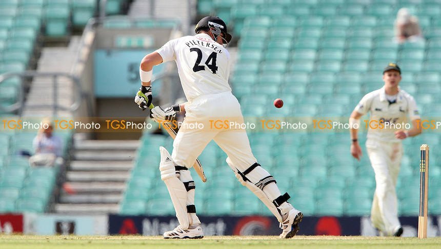 Kevin Pietersen of Surrey in batting action - Surrey CCC vs Nottinghamshire CCC, LV County Championship Division 1 at The Kia Oval, Kennington - 06/09/12 - MANDATORY CREDIT: Rob Newell/TGSPHOTO - Self billing applies where appropriate - 0845 094 6026 - contact@tgsphoto.co.uk - NO UNPAID USE.