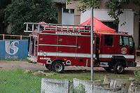 SÃO BERNARDO DO CAMPOS, SP, 30.04.2015: TÉCNICOS-SABESP - Técnicos da Sabesp desapareceram na tarde de terça-feira (28) na represa Billings, em São Bernardo do Campo. Os homens colhiam amostras da represa e estavam a cerca de 300 metros da base da companhia. Os bombeiros iniciaram as buscas nesta quinta-feira (30), mas ainda não encontraram os trabalhadores. (Foto: Renato Mendes/Brazil Photo Press)