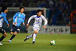 Yudai Inoue (V Varen),.APRIL 17, 2013 - Football /Soccer : 2013 J.LEAGUE Division 2 ,9th sec match between Yokohama FC 1-2 V Varen Nagasaki at NHK Spring Mitsuzawa Football Stadium, Kanagawa, Japan. (Photo by Jun Tsukida/AFLO SPORT).