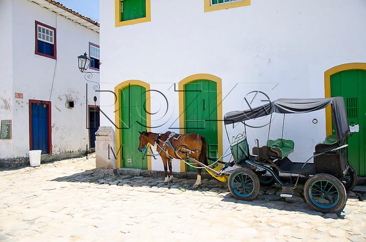 Carroça no centro histórico, Paraty- RJ, 01/2014.