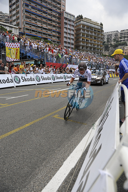 AG2R La Mondiale team rider Vladimir Efimkin (RUS) passes beneath the packed grandstands on his way to the finish line the Prologue Stage 1 of the 2009 Tour de France a 15.5km individual time trial held around Monaco. 4th July 2009 (Photo by Eoin Clarke/NEWSFILE)