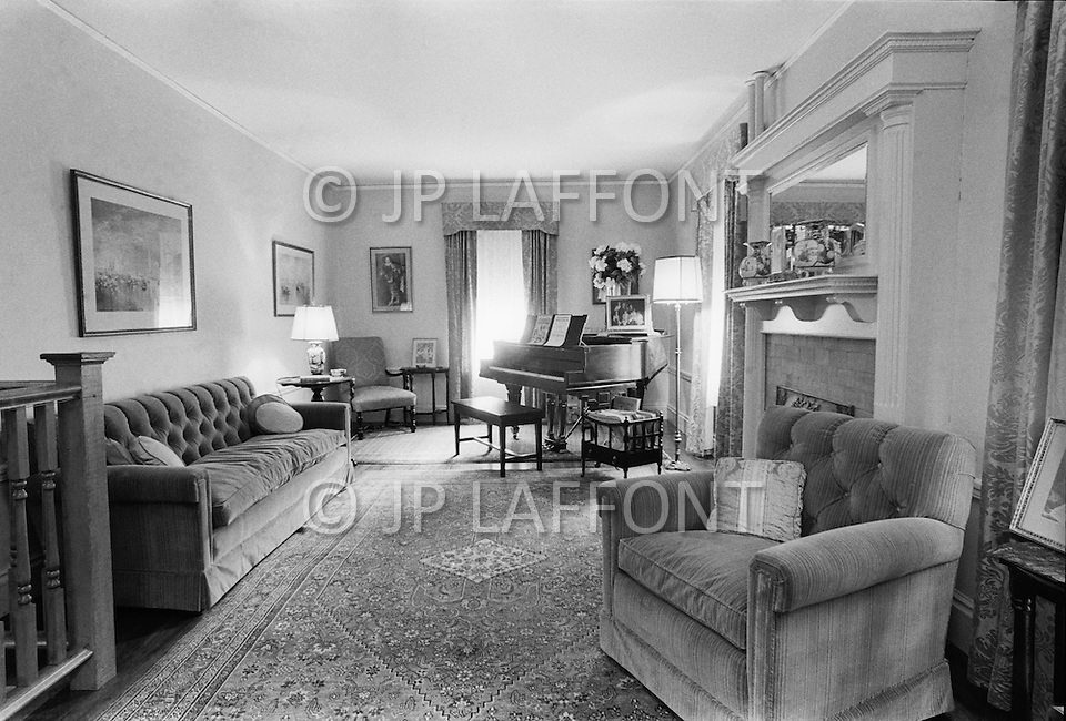 June 1970, Brookline, Massachusetts, <br /> Visitors look at the living room in the J.F. Kennedy Birthplace Historic Site, the three story house in Brookline in which US President John F. Kennedy was born. After JFK's death, the Kennedy family bought back the house at 83 Beals Street from the then owners and turned it into a museum of the Kennedys' childhoods.