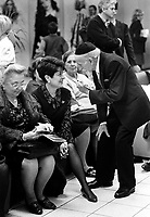 """Milano: comunita' LUBAVITCH,  festa di SUKKOT (delle capanne).  Festa di ringraziamento e gioia dopo i giorni di pentimento ed espiazione (Rosh Hashana' e Yom Kippur). Storicamente ricorda le capanne che gli antenati costruirono durante la permanenza nel deserto dopo la cacciata dall'Egitto.Milan: LUBAVITCH community, feast of SUKKOT. The word """"Sukkot"""" means """"booths,"""" and refers to the temporary dwellings that the Jews are commanded to live in during this holiday in memory of the period of wandering after the expulsion from Egypt....."""