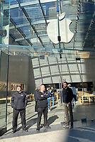 MR 14 Apple Stores Close To Prevent Spread Of Coronavirus