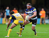 Henry Thomas of Bath Rugby in possession. Aviva Premiership match, between Bath Rugby and Worcester Warriors on September 17, 2016 at the Recreation Ground in Bath, England. Photo by: Patrick Khachfe / Onside Images