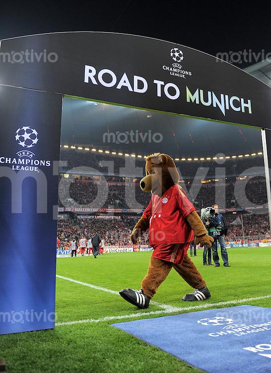 FUSSBALL   CHAMPIONS LEAGUE  VIERTELFINAL RUECKSPIEL   2011/2012      FC Bayern Muenchen - Olympic Marseille          03.04.2012 Maskottchen Berni in der  Allianz Arena