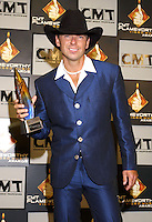 Kenny Chesney at the first ever CMT Flameworthy Video Music Awards at the Gaylord Entertainment Center in Nashville Tennesee. 6/12/02<br /> Photo by Rick Diamond/PictureGroup.
