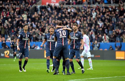 18.01.2015. Paris, France. French League 1 football. Paris St Germain versus Evian.  Goal celebrations from Marco Verratti (psg) with Zlatan Ibrahimovic (psg) and Thiago Motta (psg)