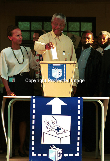 dipeman00459 .President Nelson Mandela voting at small station outside Durban, Natal during the  historic democratic election on February 28, 1994 in South Africa..©Per-Anders Pettersson/iAfrika Photos