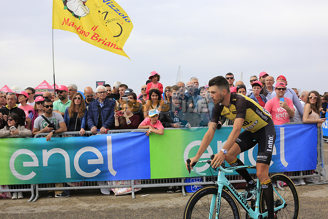 Victor Campenaerts (BEL) Team Lotto NL-Jumbo at sign on before Stage 2 of the 100th edition of the Giro d'Italia 2017, running 221km from Olbia to Tortoli, Sardinia, Italy. 6th May 2017.<br /> Picture: Eoin Clarke   Cyclefile<br /> <br /> <br /> All photos usage must carry mandatory copyright credit (&copy; Cyclefile   Eoin Clarke)