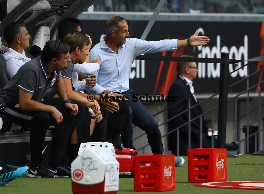 Trainer Adi Hütter (Eintracht Frankfurt) regt sich auf der Bank auf - 01.09.2019: Eintracht Frankfurt vs. Fortuna Düsseldorf, Commerzbank Arena, 3. Spieltag<br /> DISCLAIMER: DFL regulations prohibit any use of photographs as image sequences and/or quasi-video.