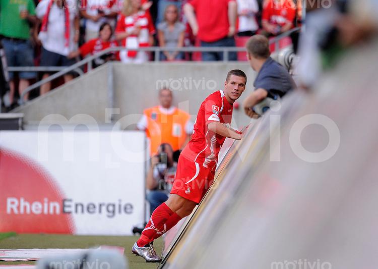 Fussball   1. Bundesliga   2. Spieltag    Saison 2009/2010 1.FC Koeln - VfL Wolfsburg      15.08.09 Lukas PODOLSKI (Koeln) enttaeuscht nach einer vergebenen Torchance.