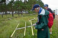 Two scouts are testing raidioscouting. Photo: Kim Rask/Scouterna