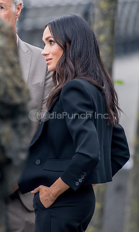 Prinz_Harry und Herzogin Meghan besuchen das Famine Memorial  in Dublin / 110718<br /> <br /> <br /> *** July 11, 2018 - Dublin, Ireland. The Duke and Duchess of Sussex visit the Famine Memorial  in Dublin on day two of their visit to Ireland. *** _<br /> Credi: Action Press/MediaPunch ***FOR USA ONLY***