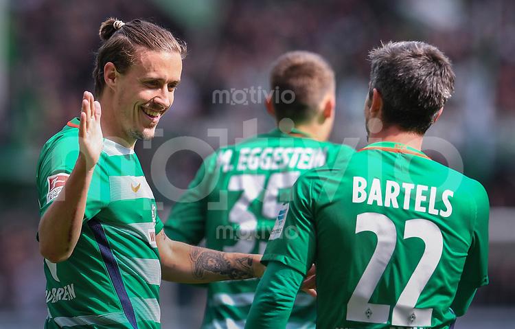 FUSSBALL     1. BUNDESLIGA      31. SPIELTAG    SAISON 2016/2017  SV Werder Bremen - Hertha BSC Berlin                          29.04.2017 Max Kruse (li) und Fin Bartels (re, beide SV Werder Bremen) jubeln nach dem 1:0