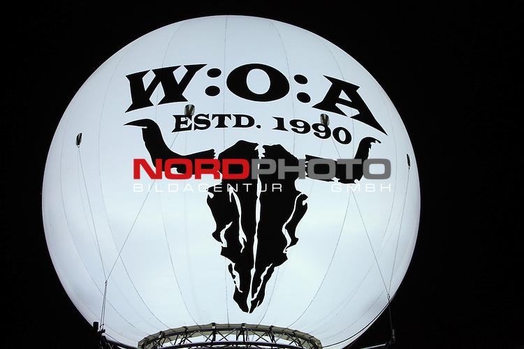 01.08.2013, Wacken, GER, W:O:A Wacken Open Air 2013, im Bild Wackenlogo beleuchtet als Ballon, Foto © nph / Kohring