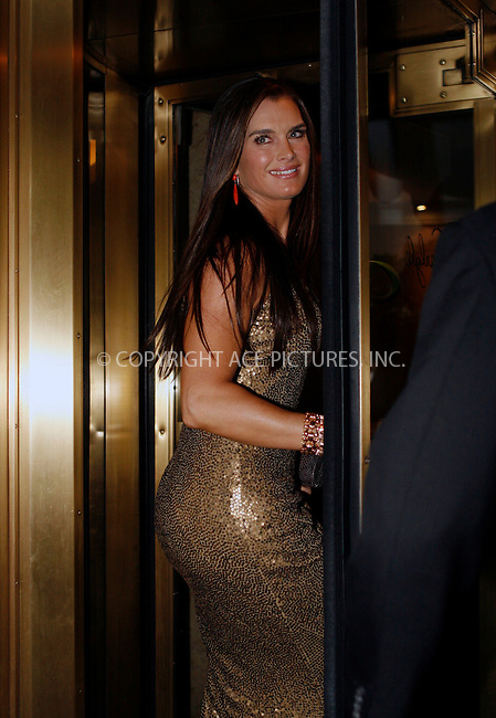 WWW.ACEPIXS.COM . . . . .  ....May 3 2010, New York City....Brooke Shields leaving a hotel on May 3 2010 in New York City....Please byline: NANCY RIVERA- ACEPIXS.COM.... *** ***..Ace Pictures, Inc:  ..Tel: 646 769 0430..e-mail: info@acepixs.com..web: http://www.acepixs.com