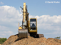 0713-1105  Backhoe (back actor, rear actor), Excavating Equipment  © David Kuhn/Dwight Kuhn Photography