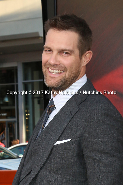 """LOS ANGELES - APR 18:  Geoff Stults at the """"Unforgettable"""" Premiere at TCL Chinese Theater IMAX on April 18, 2017 in Los Angeles, CA"""