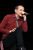 Linkin Park - vocalist Chester Bennington performing live on Day Two on the main stage at the Download Festival 2007 held at Donington Park Leicestershire UK - 09 Jun 2007.  Photo Credit: Ben Rector/IconicPix