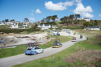 The North Atlantic is never far off: while the team cars drive through the sand down at the seashore, the peloton already moves up the hill<br /> <br /> 33th Tro Bro L&eacute;on 2016