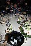 Prix Goncourt 2010 chez Drouant. Michel Houellebecq. L'urne ayant servi au vote.