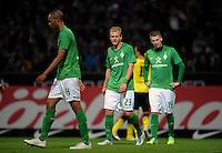 FUSSBALL   1. BUNDESLIGA   SAISON 2011/2012    9. SPIELTAG SV Werder Bremen - Borussia Dortmund                 14.10.2011 Enttaeuschte Bremer: NALDO, Andreas WOLF und Aaron HUNT (v.l, alle Bremen)