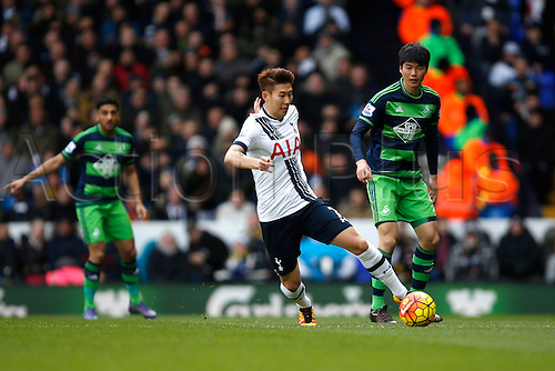 28.02.2016. White Hart Lane, London, England. Barclays Premier League. Tottenham Hotspur versus Swansea City. Heung-min Son of Tottenham Hotspur controls the ball before getting his shot on goal during the Barclays Premier League match between Tottenham Hotspur and Swansea City.