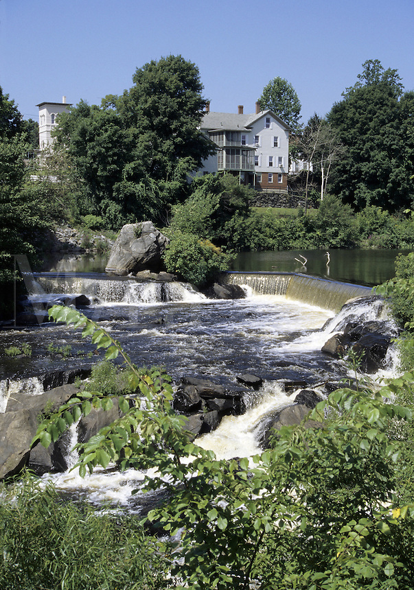 Putnam, Connecticut.Cargill Falls on the Quinebaug River