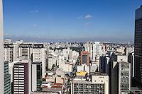 SAO PAULO, SP, 30.05.2014 - CLIMA TEMPO - Vista da cidade de Sao Paulo a partir da Avenida Paulista, nesta sexta-feira onde a temperatura não deve ultrapassar 21graus. (Foto: William Volcov /Brazil Photo Press).